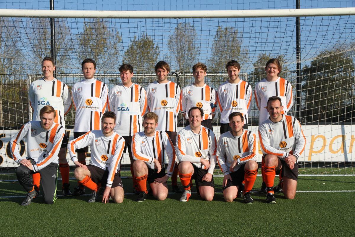 HBC Voetbal | Zondag 4