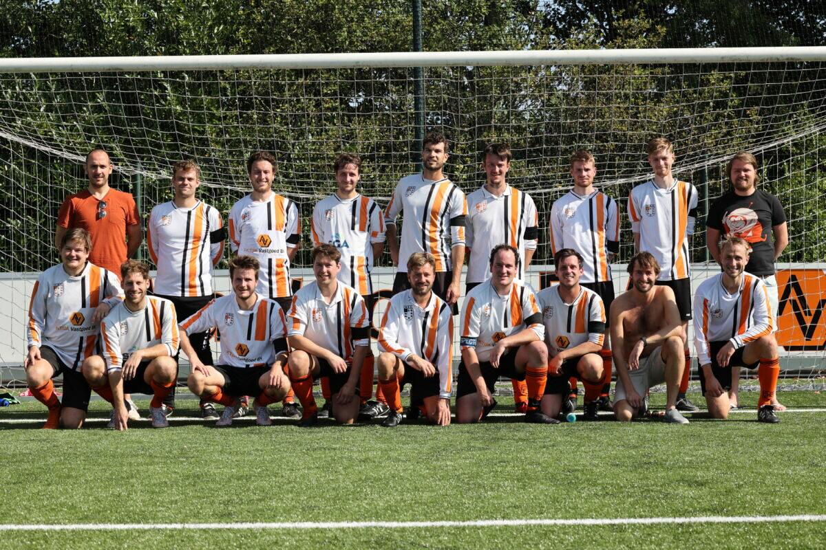 HBC Voetbal - Zondag Heren 4 - 20212022