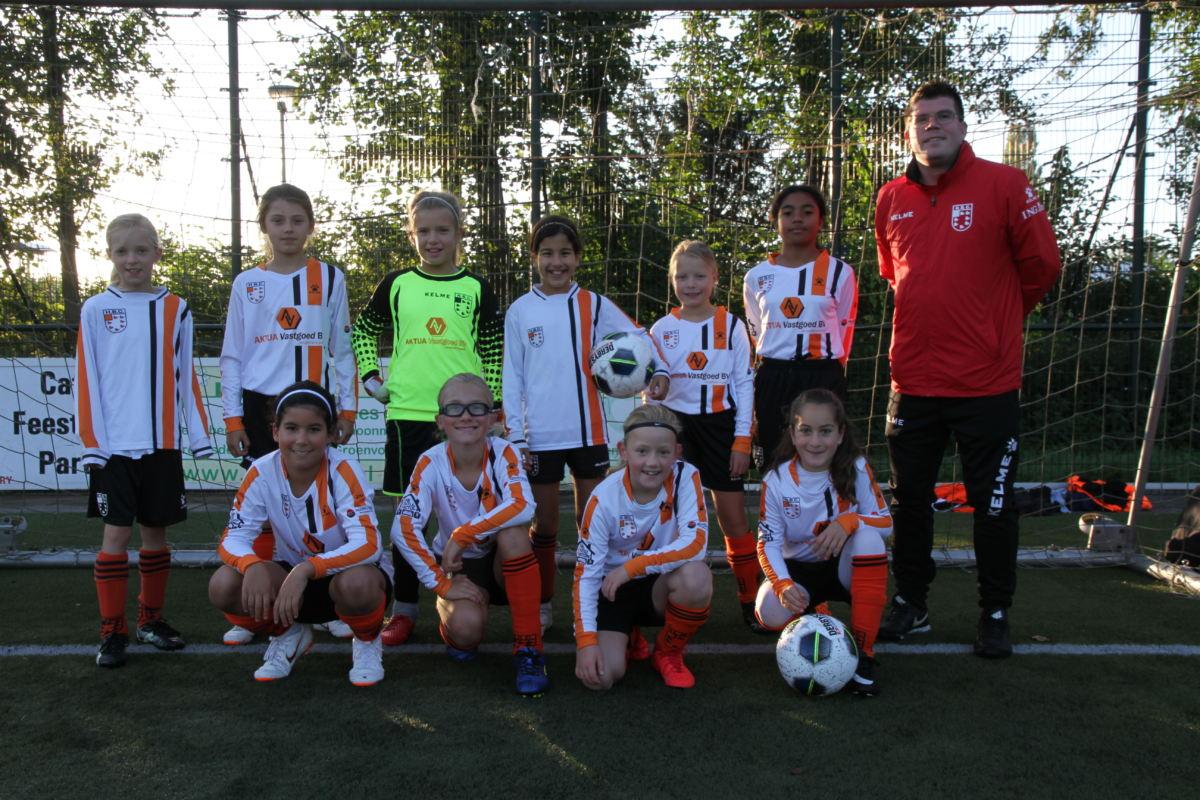 HBC Voetbal | MO11-1