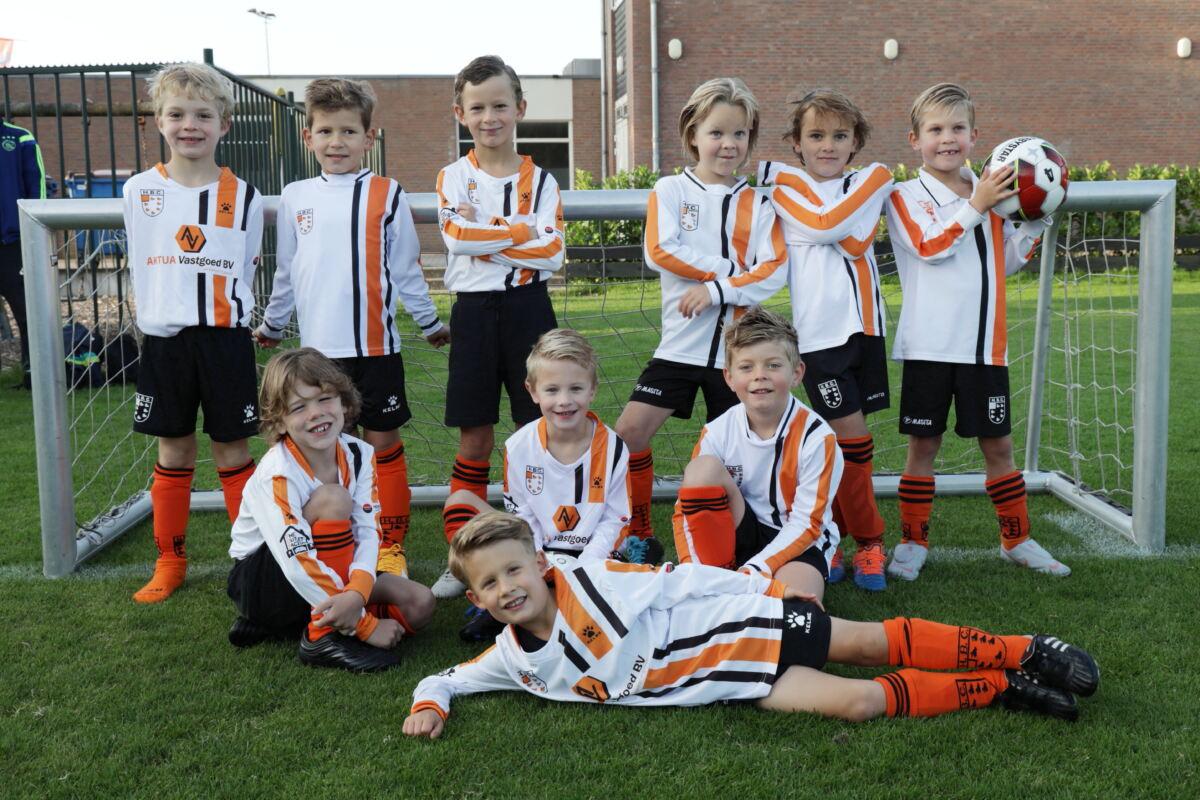 HBC Voetbal - Mini's 1